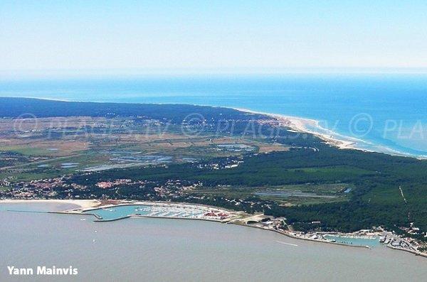 Photo de la plage sur l'estuaire de la Gironde au Verdon sur Mer
