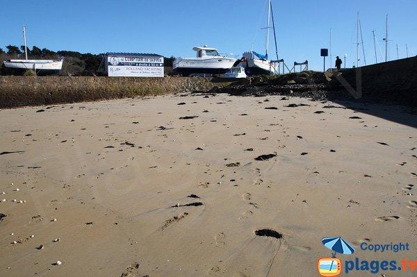 Digues autour de la plage du chantier naval - Plougasnou