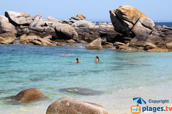 Swimming on the beach of the Chardons Bleus - Brignogan-Plage