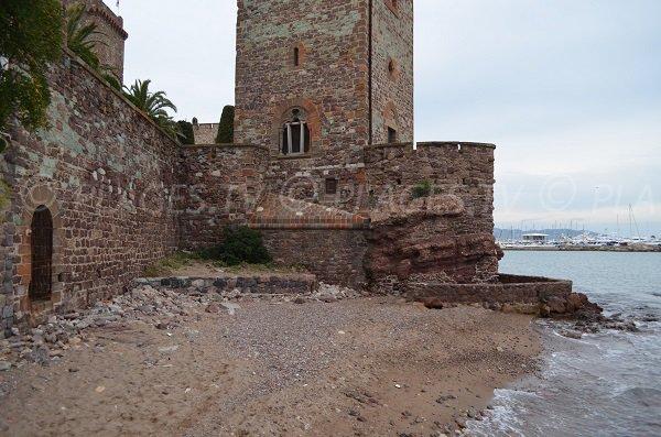 Castle beach of Mandelieu