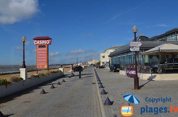 Casino beach in Châtelaillon