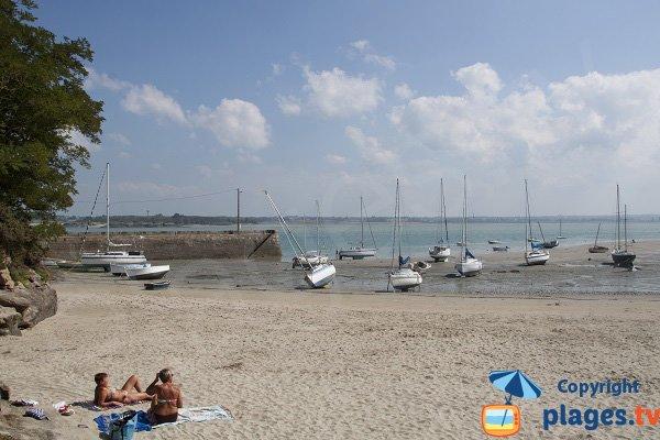 Port du Chatelet avec sa plage - St Jacut de la Mer