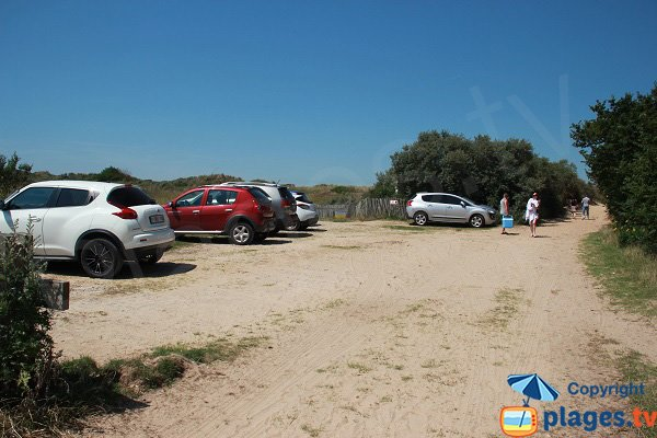 Parking of Chatelet beach in Tardinghen