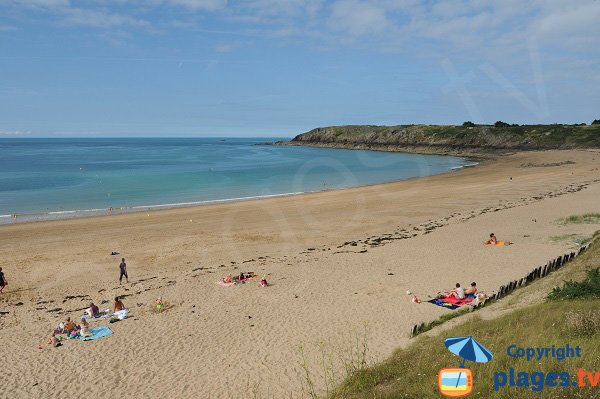 Photo of the Chevrets beach in Saint Coulomb - Brittany - France