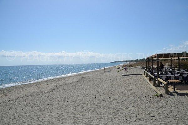 Photo of Chiosura beach in Linguizzetta  with restaurant - Corsica