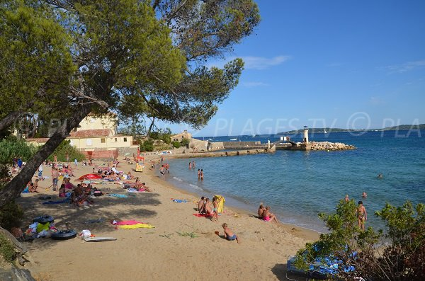 Shade beach in Port-Grimaud - Les Cigales