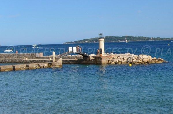 Port sur la plage des Cigales de Grimaud