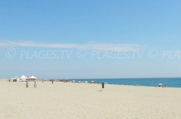 Spiaggia vicino al porto di Barcarès