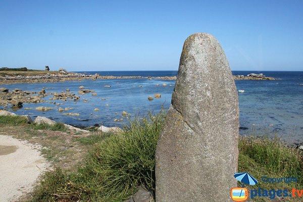 Menhir de la plage de la Click à Plouescat