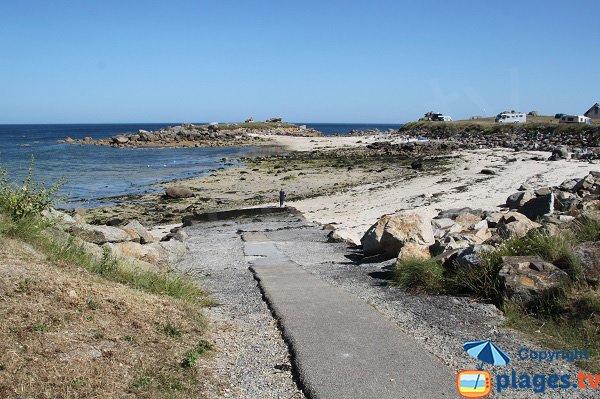 Cale de mise à l'eau sur la plage du Click - Plouescat
