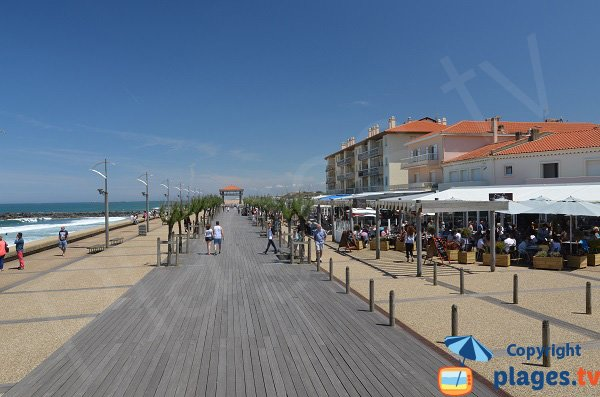 Promenade in Anglet-Plage along the beach