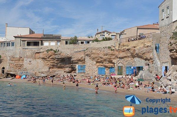Photo de la plage de Colombet en été - Marseille