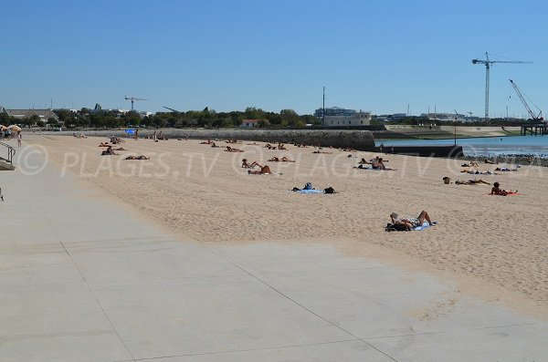 Concurrence beach and Port of La Rochelle