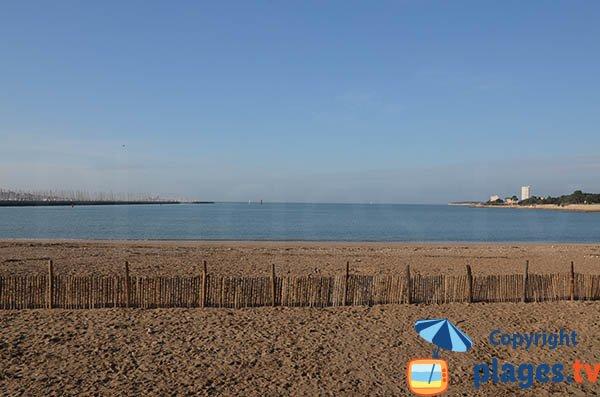Photo de la plage de la Concurrence à marée haute - La Rochelle