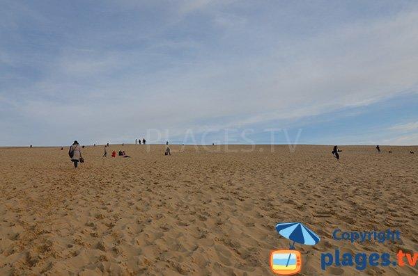 Montée sur la dune de Pilat depuis la plage