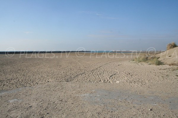 Plage de sable de la Corniche à Sète