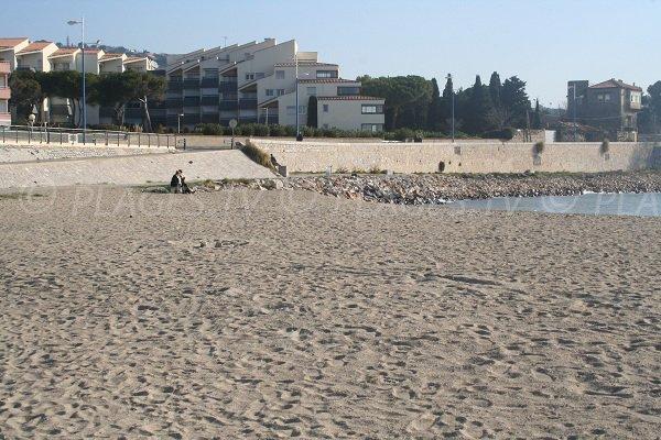 Accès à la plage de la Corniche de Sète