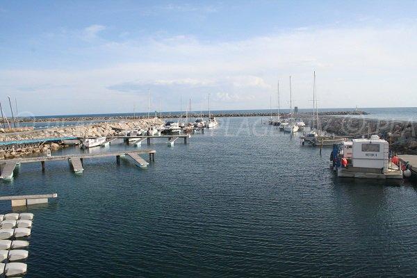 Port des Quilles à Sète