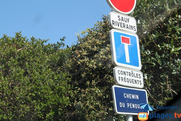 Panneau interdisant accès à la plage du Cosmeur