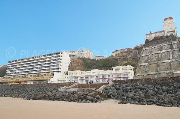Installations sur la plage des Basques à Biarritz