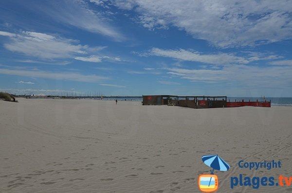 Plage privée sur la plage du Couchant à La Grande Motte