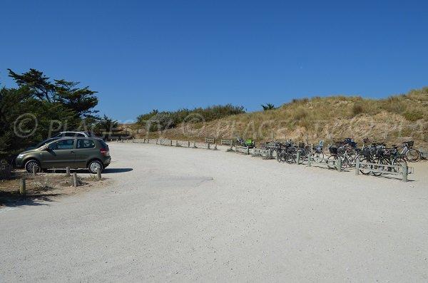 Parking de la plage de Couny