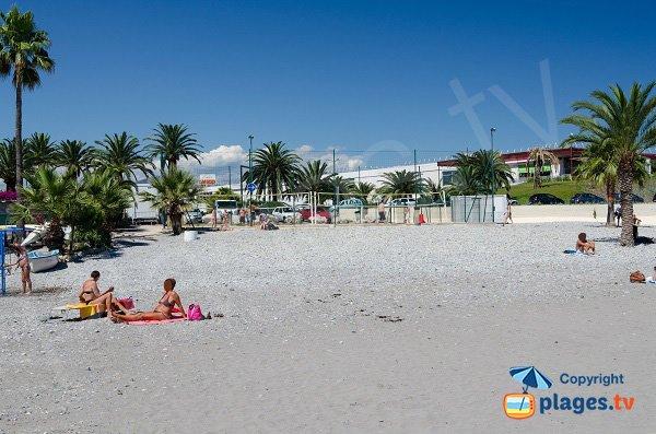 Beach volley sur la plage de St Laurent du Var