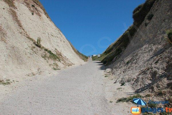 Chemin d'accès à la plage du Cran d'Escalles