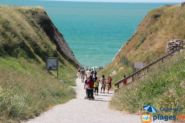 Photo du sentier d'accès du Cran d'Escalles