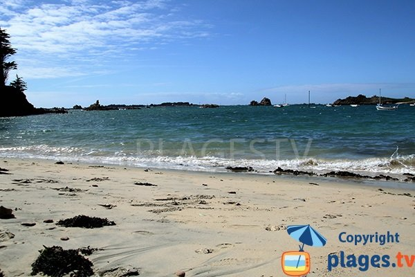 Plage de sable sur l'ile de Bréhat - Crec'h Touric
