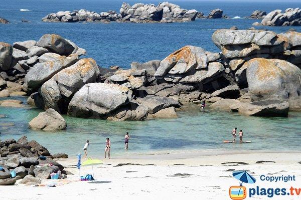 Rochers de la plage de Crémiou à Kerlouan