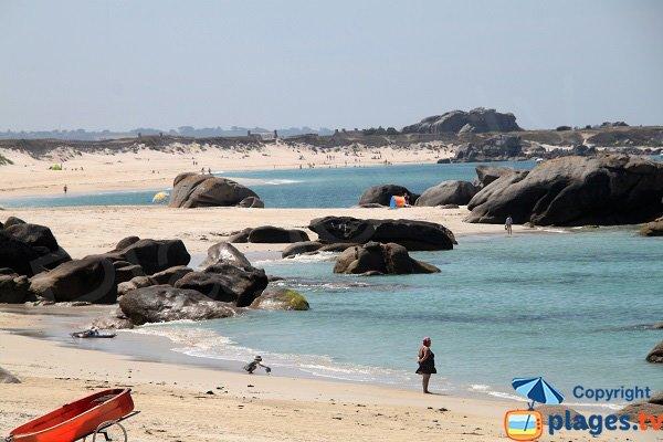 Vue sur la plage de Ménéham  depuis la plage de Crémiou à Kerlouan
