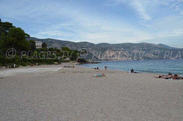 Spiaggia a Cap Ferrat, vicino al porto
