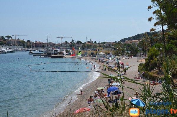 Filet anti méduses sur la plage de Saint Jean Cap Ferrat
