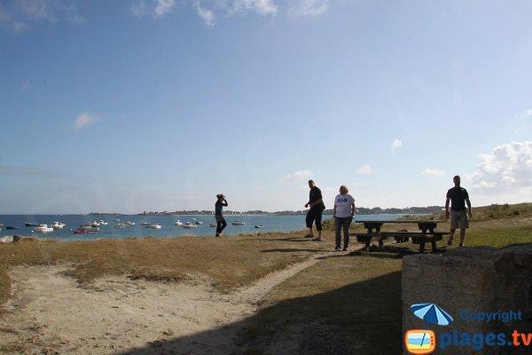 Aire de pique-nique sur le plage de Curnic à Guisseny
