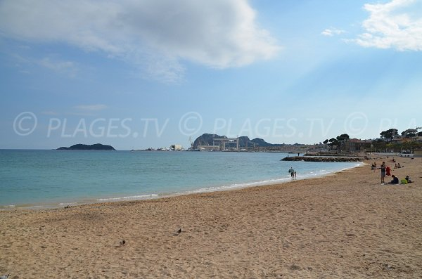 Sand beach in La Ciotat - Cyrnos