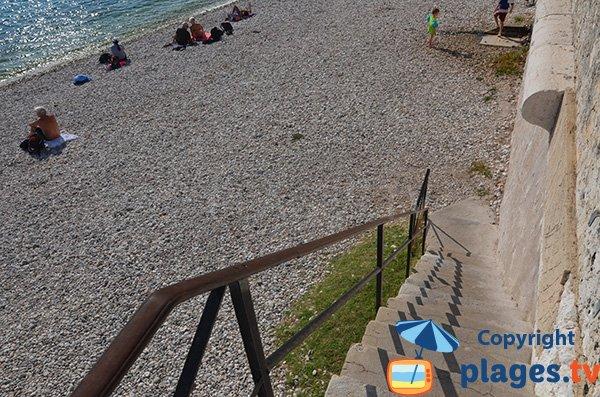 Accès à la plage de la Darse - Villefranche sur Mer