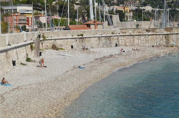 Plage de la Darse à Villefranche sur Mer