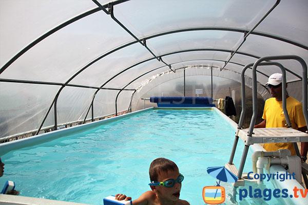 piscine du club pour enfants