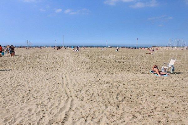 Plage publique de sable de Deauville