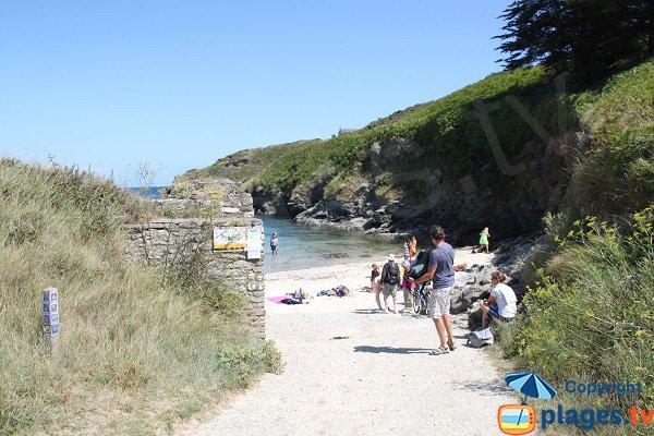 Chemin d'accès à la plage de Deuborh de Sauzon