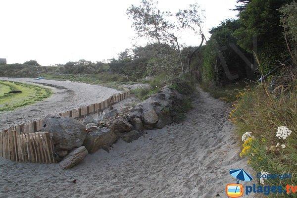 Sentier d'accès à la plage du Dibenou - Guissény