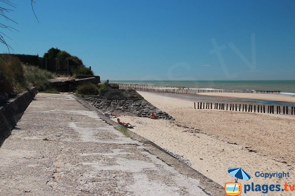 Photo of the central beach of Sangatte in France