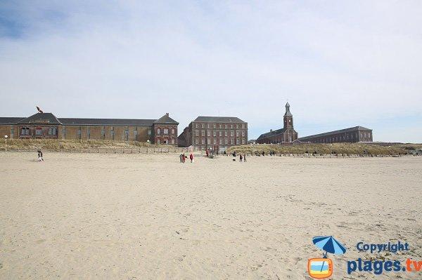 Hopital Maritime de Berck vue depuis la plage