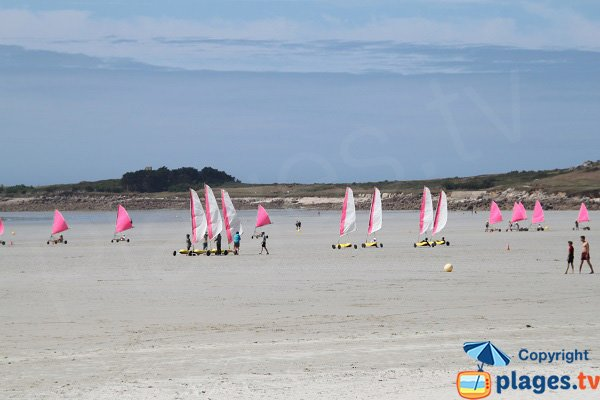 Sand yachting for children in Santec