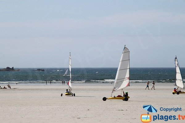 Sand yachting on the beach of Santec - Dossen