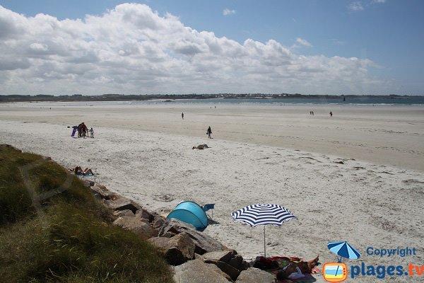 Zone principale de la plage du Dossen à Santec