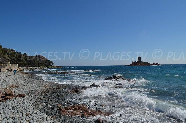 Plage du Dramont avec vue sur l'Ile d'Or - St Raphaël