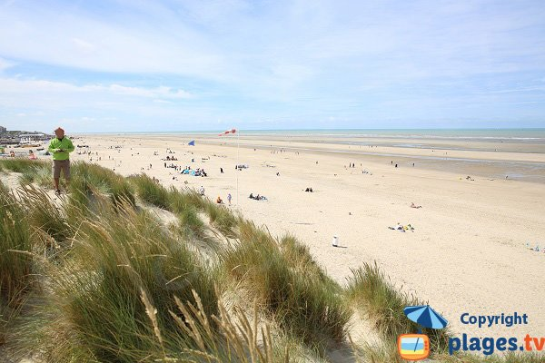 Photo of Dunes beach in Le Touquet and view on city center