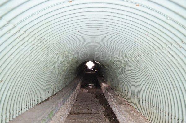Intérieur du tunnel de la plage des Dunes